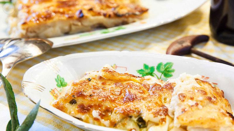 Italian-Sceff-sardegna-Zuppa-gallurese